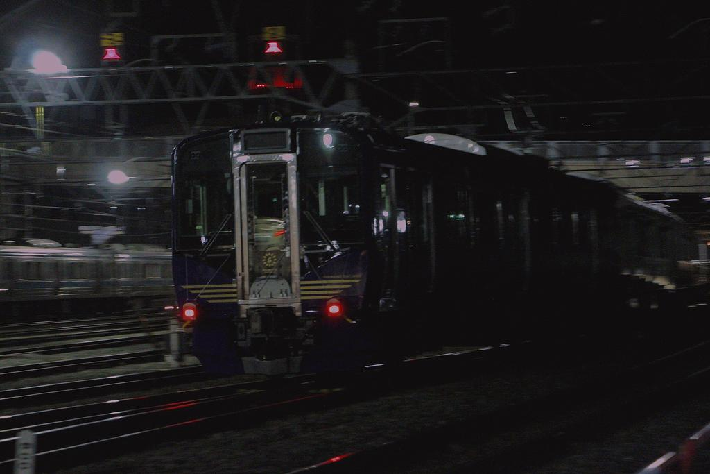 test ツイッターメディア - 3/27 しなの鉄道 SR1甲種輸送  長野駅に0時過ぎに到着し屋代に向けて出発していきました。  今後の活躍が楽しみです😆 https://t.co/Eo54o6v4ml