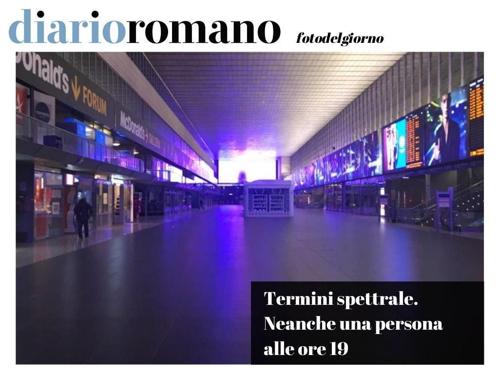 test Twitter Media - Foto che resteranno agli annali: mai si era vista la galleria della prima stazione italiana deserta alle 19 di un giorno feriale. . #photo #lettori #Roma #27marzo #coronavirus #COVID2019 #iorestocasa #lockdown https://t.co/5DyINrNa7s