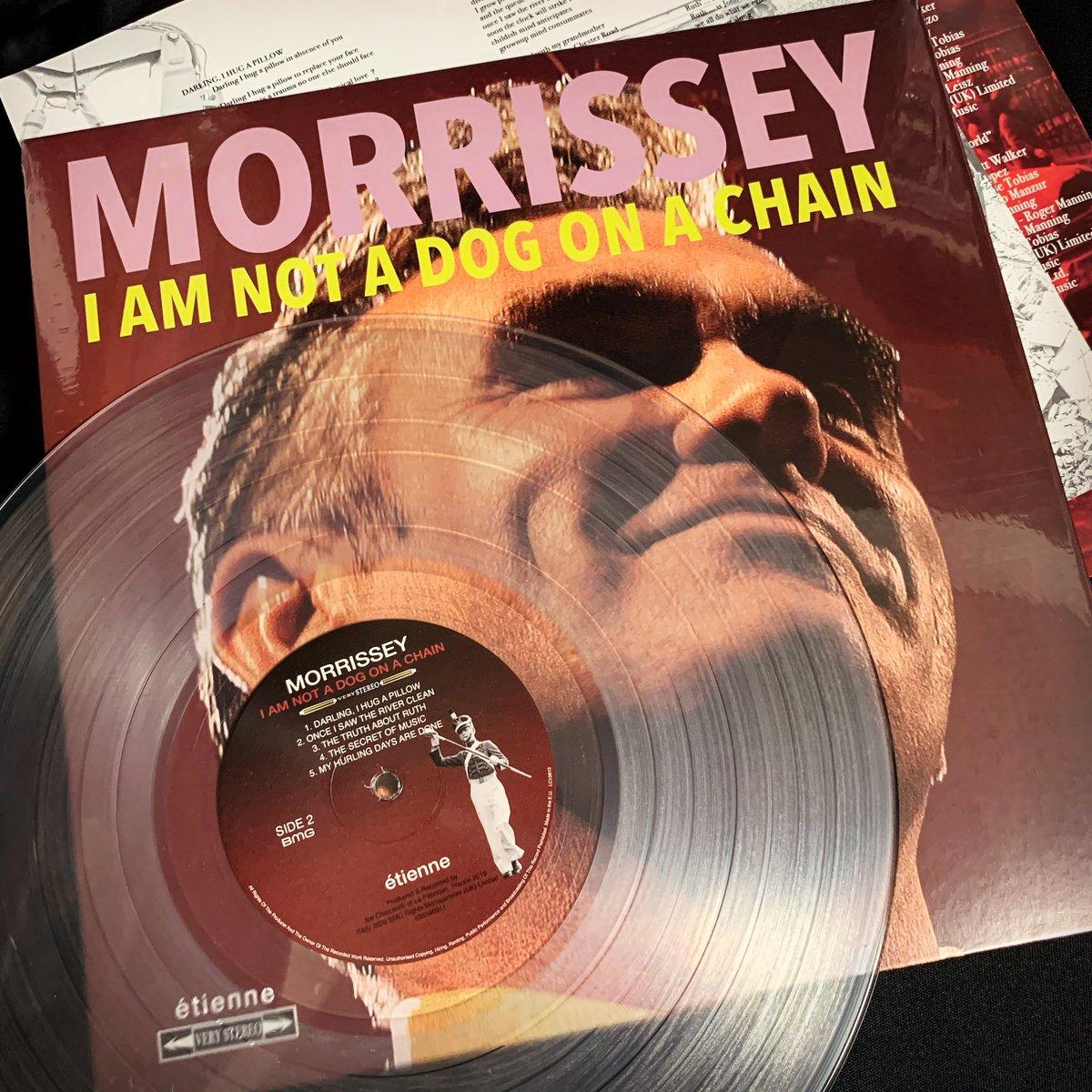 先日🇬🇧からモリッシーの新譜が無事到着✈︎✈︎✈︎ お年を召されてからリリースが早い #Morrissey #IAmNotADogOnAChain