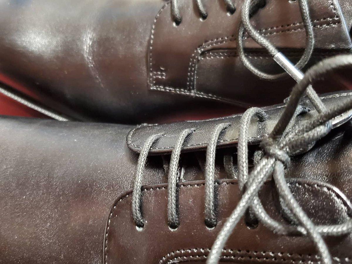 test ツイッターメディア - 社会人に向けて  新しい革靴、アシックスのテクシーリュクスを買いました‼️  スーパーでの買い物💼  レジにて定価から2000円引きの表示  買いました👛  明日(29日)は天気がいい☀️  走ります🍀 https://t.co/I7Vqvc8ITy