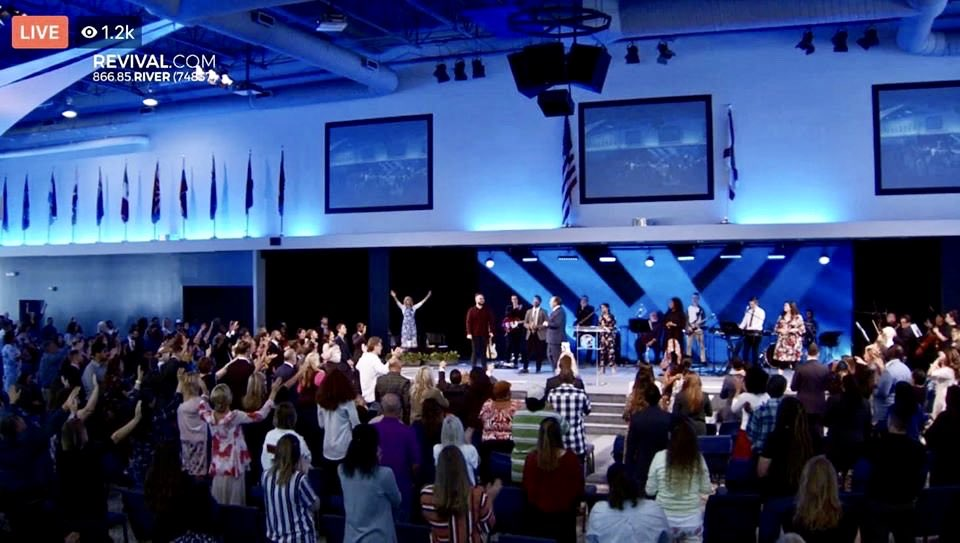 Branch Covidians packing into a Florida church today.