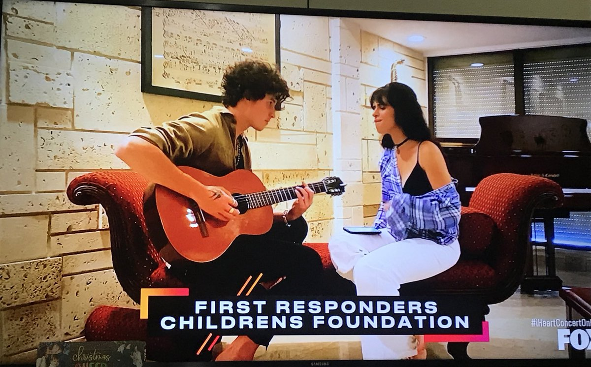 "Shawn is helping Camila perform her song ""My Oh My""! #iHeartConcertonFOX https://t.co/pGc3Gr5vtT"
