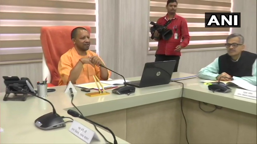 Lucknow: CM Yogi Adityanath today transferred Rs 611 Crore directly to the bank account of 27.5 Lakh workers of the state, under MNREGA scheme, in the light of #CoronavirusLockdown. The CM also talked to them through video-conference today, informing them of the scheme.