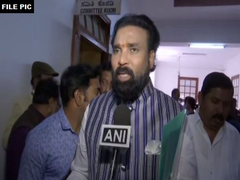 3 positive cases confirmed in one family in Bellari. They are being treated at an isolated location. Total number of positive #COVID19 cases have increased to 91 in the state now: Karnataka Health Minister B Sriramulu. (File pic)