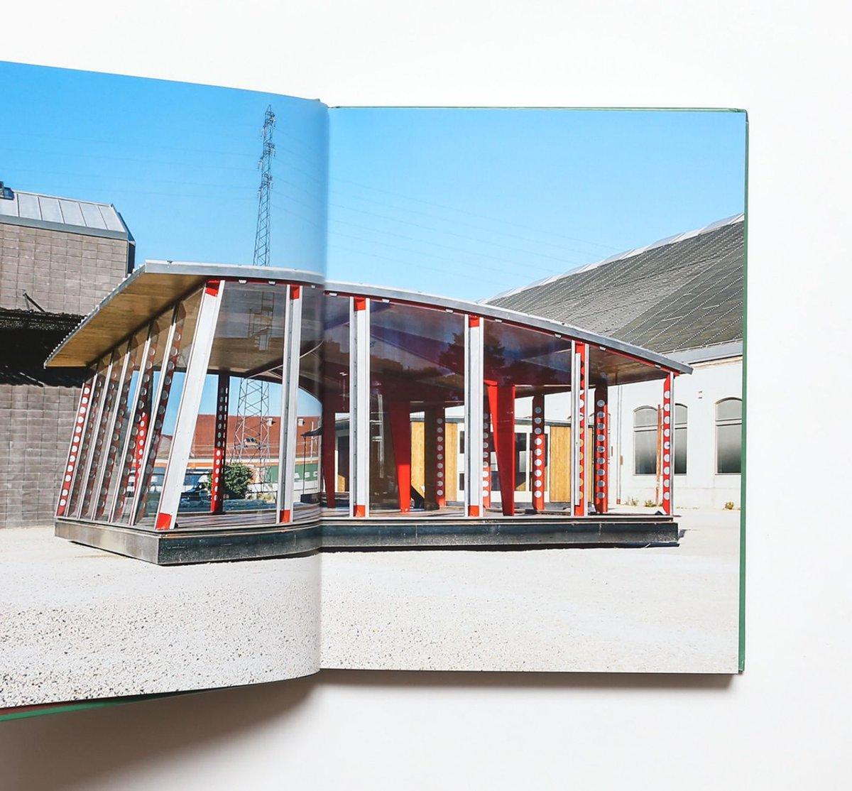 test ツイッターメディア - 【Jean Prouve: Architect for Better Days】  フランスの建築家、ジャン・プルーヴェのプレハブ住宅を特集した作品集。  完成作品に加え、図面や手書きのメモ、制作過程を記録した写真など、豊富な図版をカラーとモノクロで掲載。 https://t.co/5Dk6u0teG6 https://t.co/OMQod42eWa