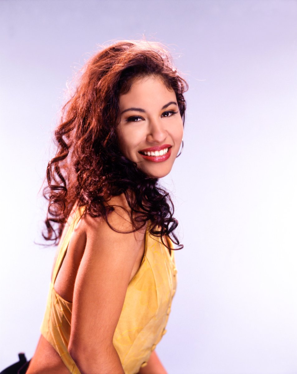 25 years ago today, the world lost a legend. Celebrate Selena's music with this special playlist dedicated to the Queen of Tejano 👑 https://t.co/oV5gI7Xxwq https://t.co/37OeT4omUZ