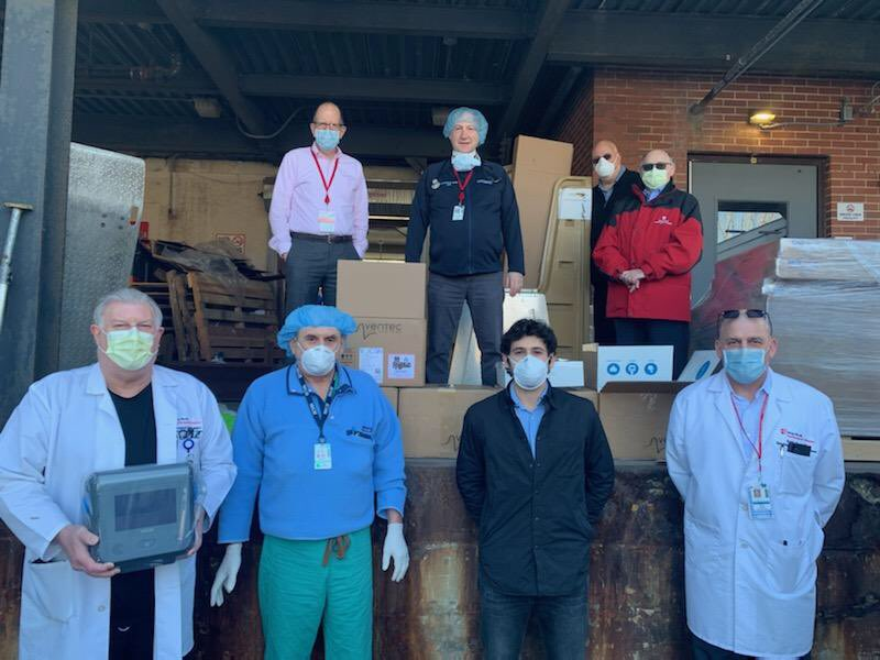Dr. Peter Michalos from Southampton in NY-1 raised $433,000 to purchase & deliver 12 ventilators to @StonyBrookSHH. He also distributed 1,000 N95 masks to Doctors, Nurses, State Troopers and Southampton Town and Village personnel. Thank You Dr. Michalos!