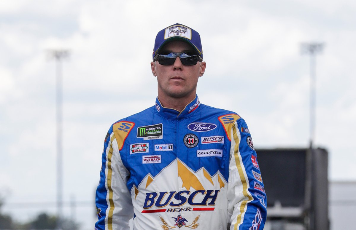 Throwback #4TheWin. 😎 @KevinHarvick's 2018 #NASCARThrowback suit was 🔥. Anybody else wanna grab an ice-cold @BuschBeer?  #NASCAR // #SHRacing