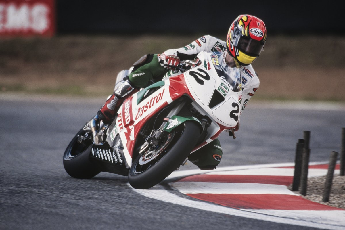 test Twitter Media - #ThrowBackThursday to 2nd of April 2000 when @texastornado5 won Race 1 & Race 2 at Kyalami after some incredible last lap fights with Haga and @carlfogarty ⚔️  Watch thrilling Race 1 for FREE👇🏻 https://t.co/MCuDz15aDa https://t.co/zoFL8iX1to