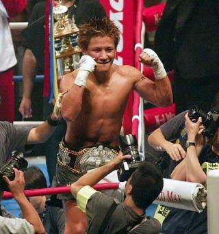 test ツイッターメディア - 逃げたいけど、一番辛い道を進むのが一番成功の近道だと俺は思ってますね。  K-1世界王者 魔裟斗 #K-1  #boxing  #総合 https://t.co/xy1t0bOBiG