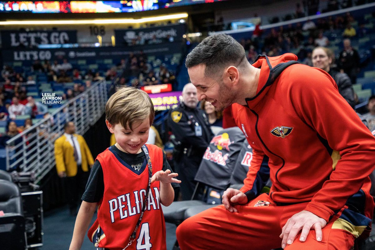 Pelicans, JJ & Chelsea Redick, and Lineage Logistics partner to bring meals and jobs to local community:  Story:   #ActsofCaring #NBATogether @JJ_Redick
