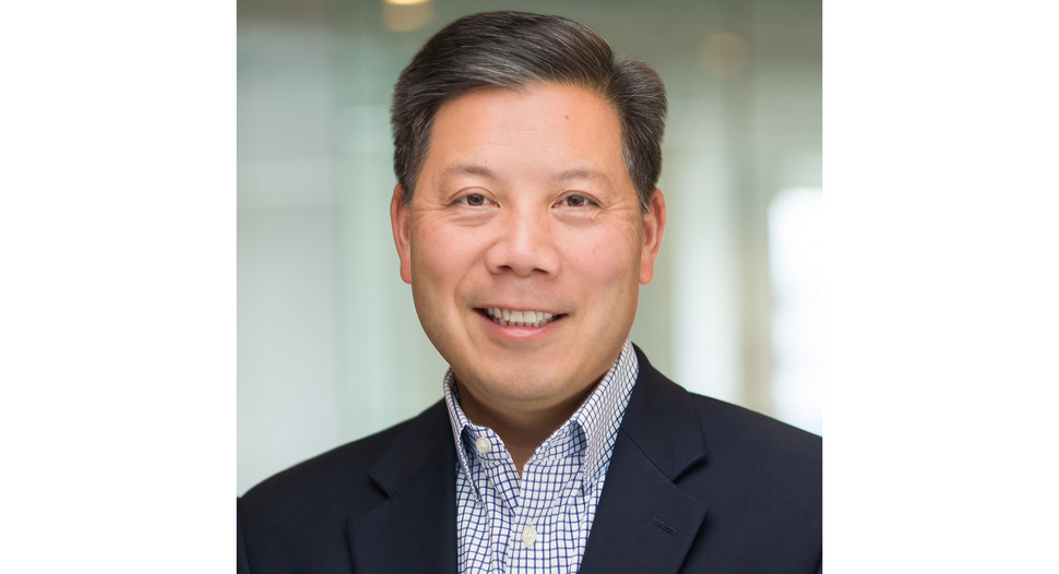 I needed to ask an expert about handling #COVIDー19.  Please listen to this week's podcast with @ChrisLu44.  He's  smart & disciplined, as you would hope a senior White House veteran would be.  #ObamaWhiteHouse, that is.