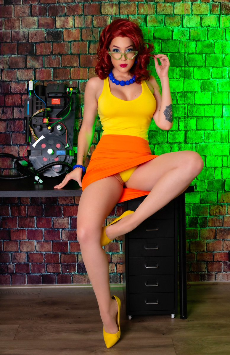 Who ya gonna call? 👻  RT if you'd call the Ghostbusters just to talk to Janine 😏  2nd set for P4tre0n this month:
