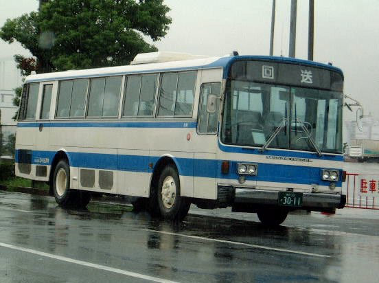 test ツイッターメディア - 昔の写真から 神戸フェリーバス 神戸22か3011 西工が主流の阪神エリアでは珍しい 富士重工5Eのバス エンジンは日デ 撮影時期:2000年頃 https://t.co/VmodDDavkr