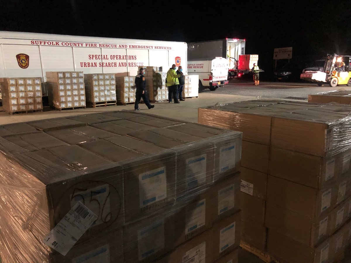 The President promised Sunday he'd immediately deliver Suffolk County 200,000 N95 masks.  The even better news...251,200 N95 masks have arrived to Suffolk PLUS another 100,000 N95 masks for @NorthwellHealth west of Suffolk!  TY @realDonaldTrump, Jared Kushner & Admiral Polowczyk!