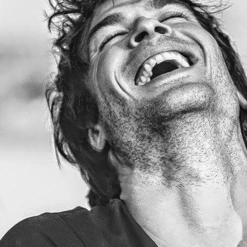 . . . c'avete mai fatto caso  che le persone felici profumano di pulito ? https://t.co/ioxNppd7Rb