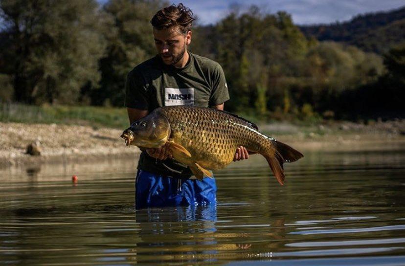 Big shout to Capital Carper for this mega catch!! 💪🏻🎣  @TheCARPbible   #Carp #CarpFishing #