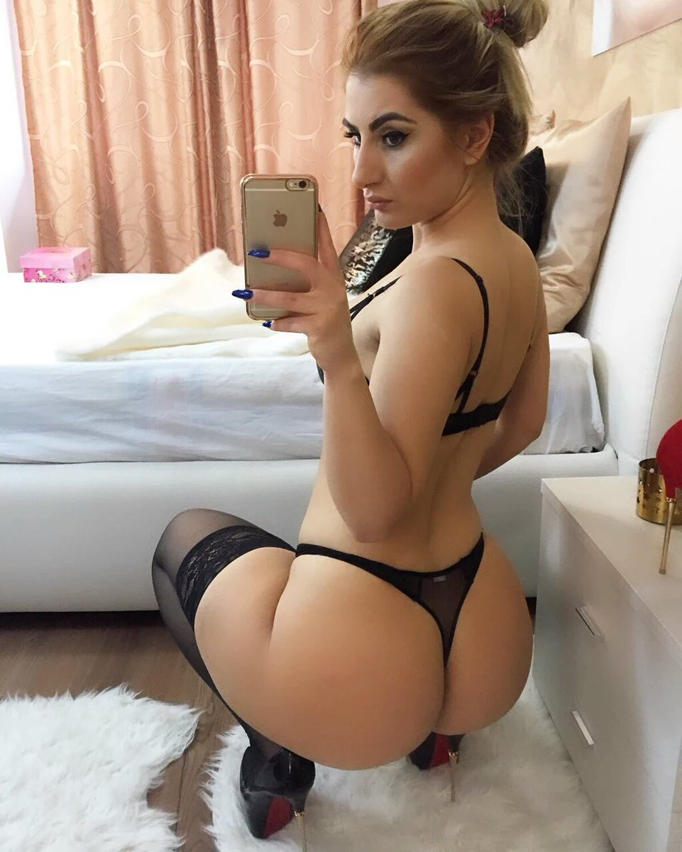 Enjoy some #booty compliments of @AylinAysunx! 🍑  #Selfie   #Thong  #AssWednesday