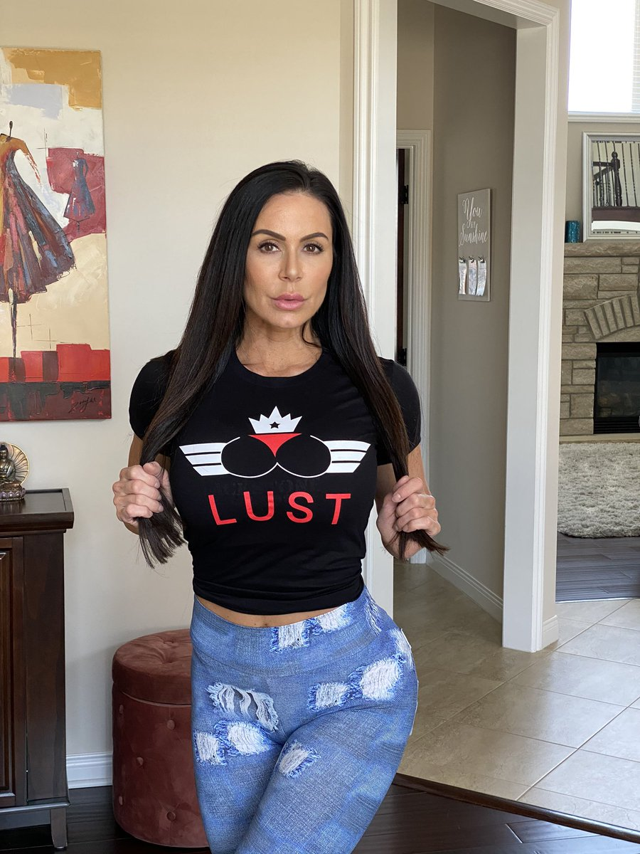It's #wcw 😻 am i your #Crush tag me and let me know ..   Do you #Lust for me? Get your shirt at  also you can get my private Snapchat 👻
