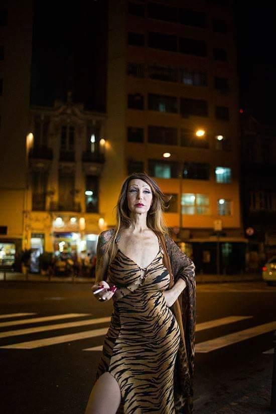 """6 de maio de 2017, a travesti Luana Muniz, 59 anos, um dos símbolos da Lapa. Luana ficou famosa pelo bordão """"travesti não é bagunça"""" e por acolher travestis, transexuais, portadores de HIV, prostitutas e pessoas em situação de rua em um casarão na Rua Mem de Sá."""
