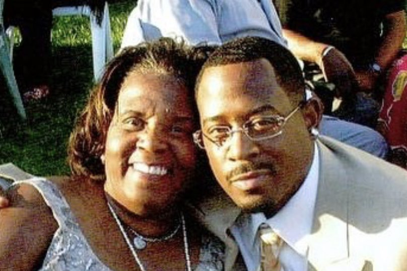 To all the women out there with one of the hardest jobs you can have, I wanna wish you a very Happy Mother's Day!#teammartymar #happymothersday #missyoumom 🌹