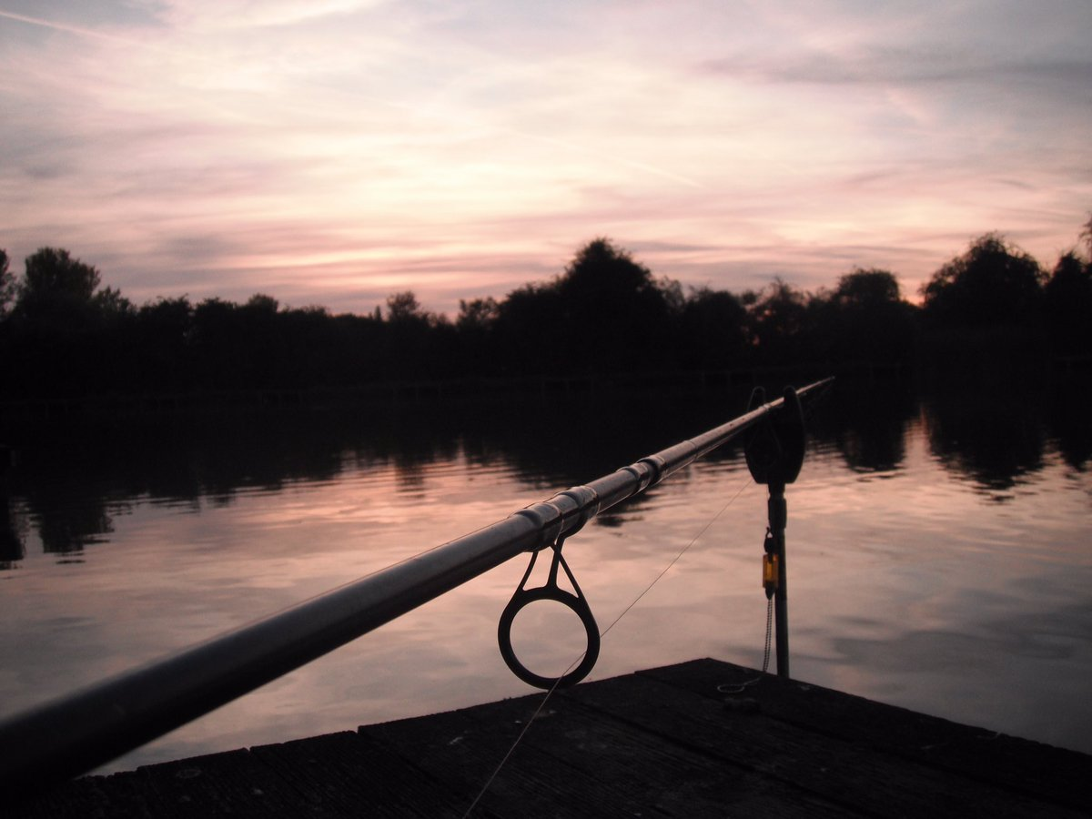 Hopefully it won't be long until we have this view again! #<b>Sunset</b> #carpfishing https://t.co