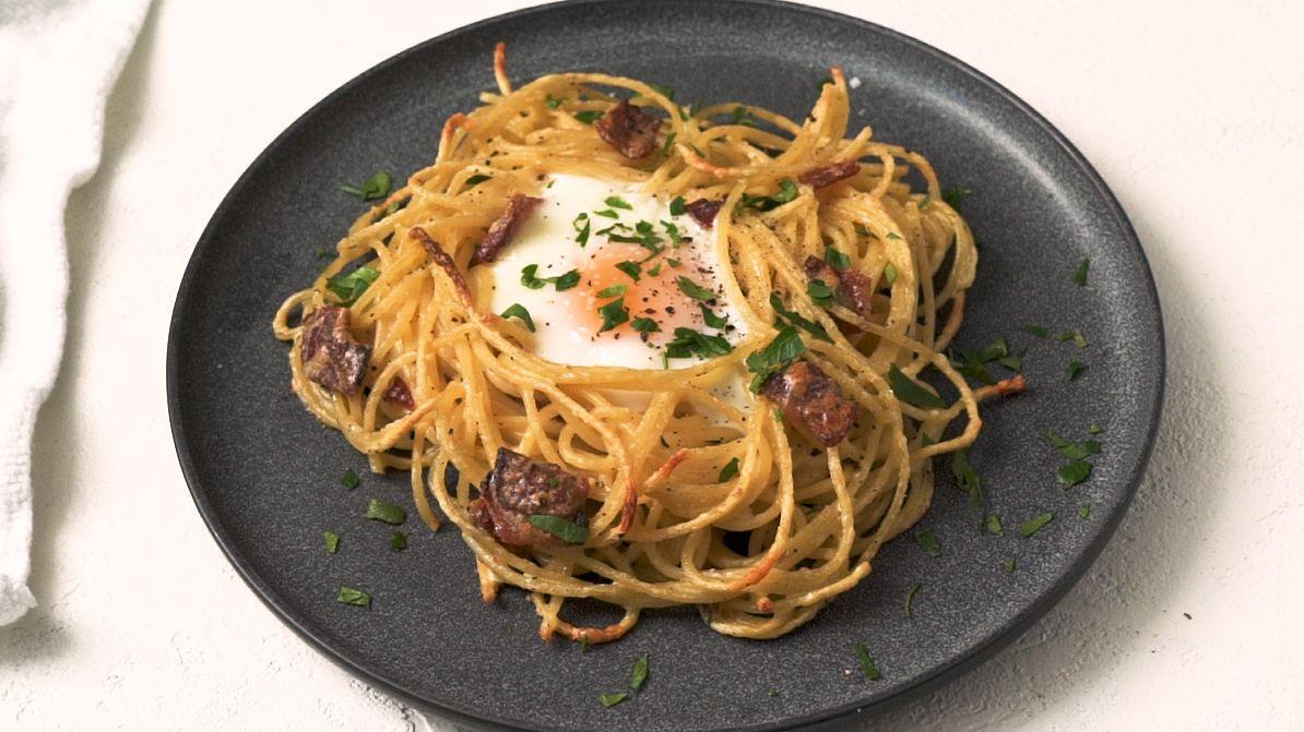 Egg-In-Carbonara Is GENIUS
