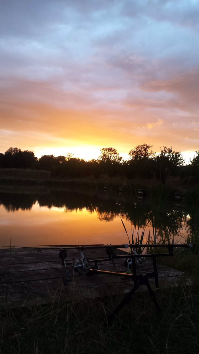 Looking forward to seeing sights like this again from Wednesday! #<b>Sunset</b> #carpfishing #wecanf