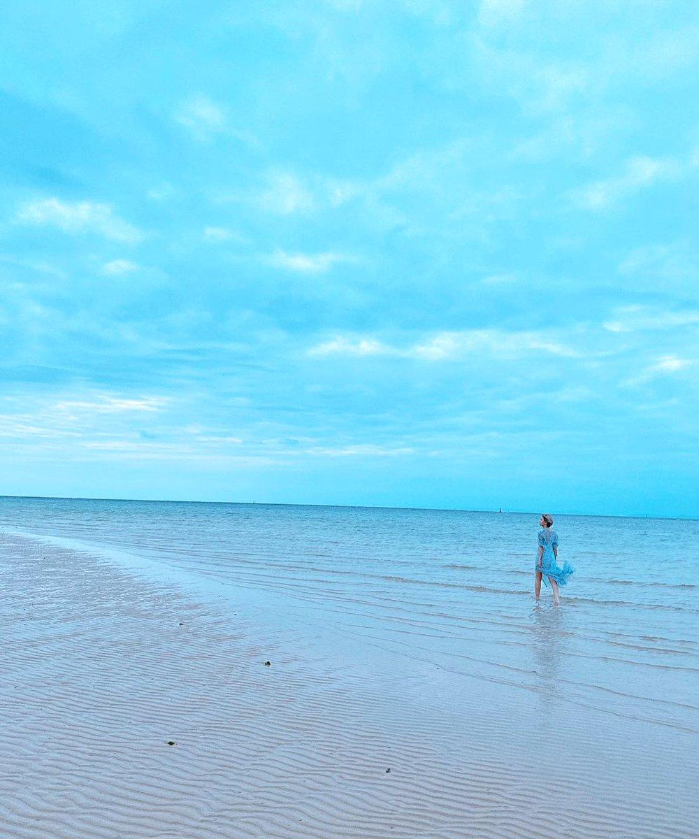 test ツイッターメディア - 【お知らせ】  本日発売の『週刊プレイボーイ』にて 撮り下ろしグラビア「溺れる」&インタビューで登場します♡!  初沖縄✨ 色々な「溺れる」に挑戦(?)してみているのでゲットして確認してみて下さい!🏄♀️🌊  次に繋がったり、励みにもなりますのでアンケートもぜひ ご協力よろしくお願いします📚🙇♀️! https://t.co/pjPATL3cRo