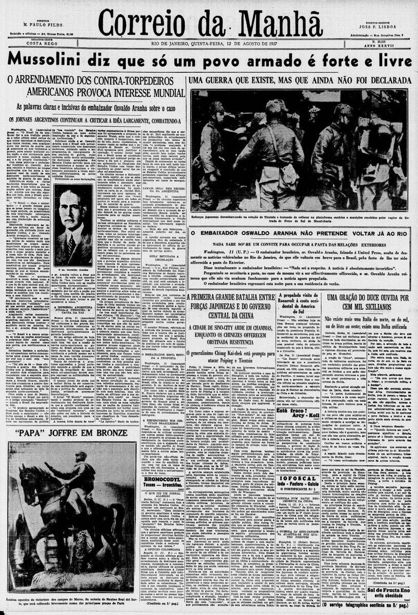 """Está circulando esta imagem de agosto de 1937 com a frase do Mussolini. É a fase de preparação para a guerra, dito ali também: """"uma guerra que existe, mas ainda não foi declarada.""""  O que Mussolini quis dizer por """"povo""""? Está ali mesmo na capa do jornal (ver a segunda imagem)."""