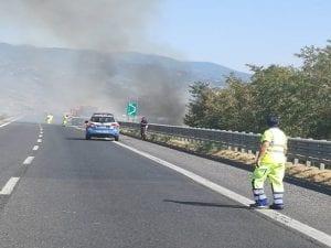 test Twitter Media - Prudenza sull'A16 Napoli Canosa, per un incendio, tra Baiano ed Avellino Ovest.  #muoversincampania #a16 #incendio #baiano #avellino #25maggio https://t.co/uhA7TR9R6n