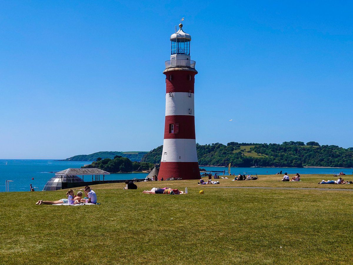 test Twitter Media - Smeaton's Tower #lighthouse, on Plymouth Hoe, looking magnificent. Recent maintenance, TLC and a fresh coat of paint has restored this iconic landmark back to its former glory.  @britainsoceancity @SmeatonsTower @PlymHoe #Plymouth #Devon #WeKnowPlymouth https://t.co/6pbNywo9VP