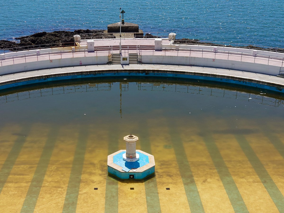 test Twitter Media - Sad to see Tinside Lido looking grubby. With staff not able to clean it and the public not allowed to use it was inevitable the elements would, temporarily, reclaim this historic pool.   #Plymouth #WeKnowPlymouth #Lido #Swimming https://t.co/HfIKdM2hKv