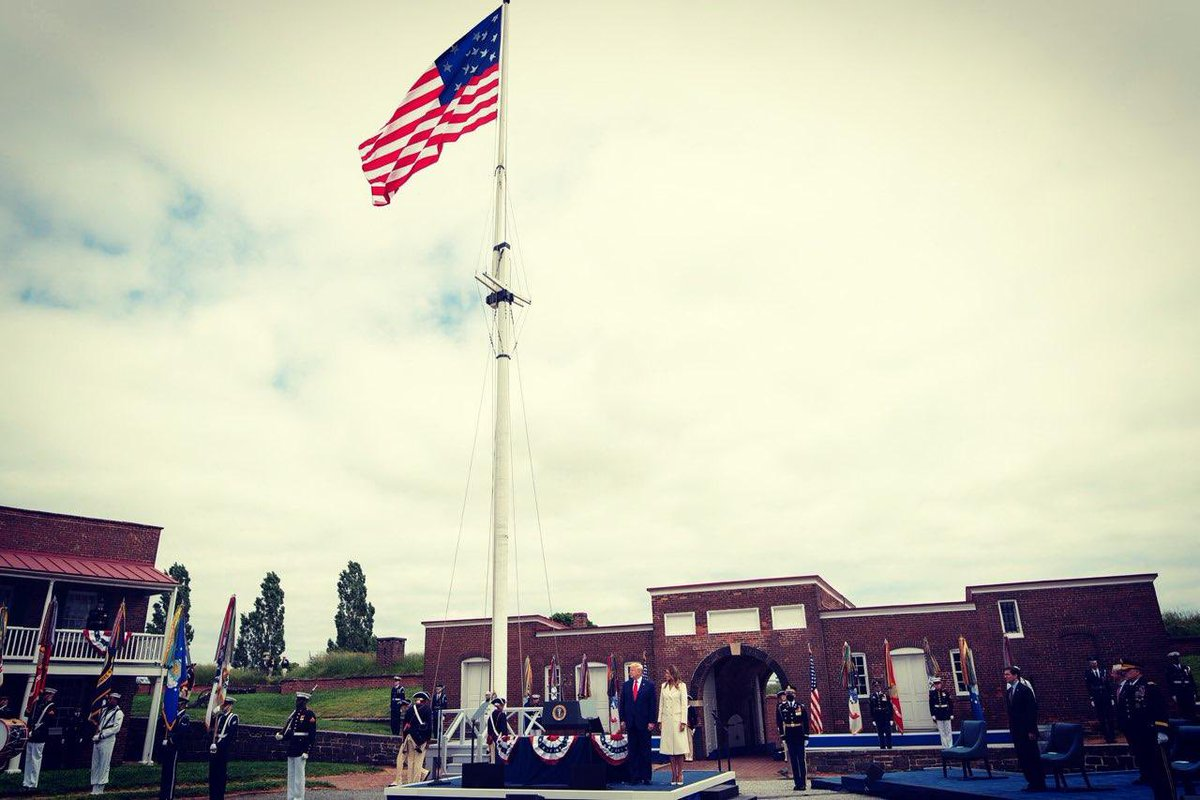 #MemorialDay is a reminder of the tremendous sacrifices & bravery of our fallen service members. Today, we pause at @FortMcHenryNPS to pay tribute to & honor those who fought for our freedoms.