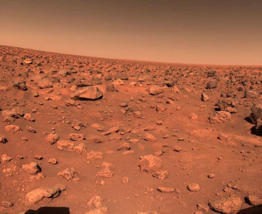 When Viking 1 did few experiments searching life in Mars surface, some gave negative results but some were inconclusive. Few Scientists like G.Levin, still think Viking1 found #life on #Mars in 1976, but the most part think not:  Image: Mars surface Viking1