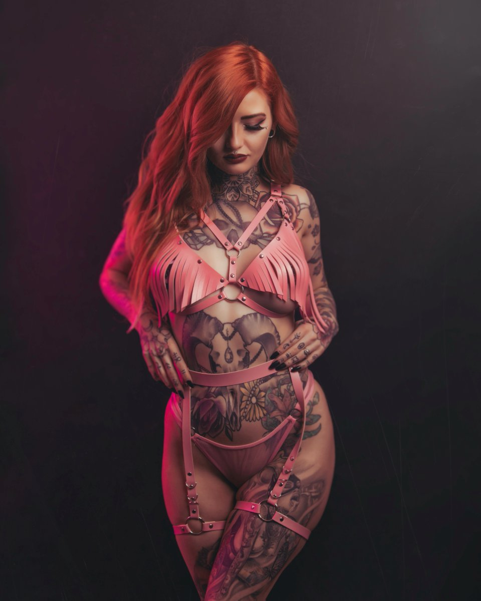The insanely beautiful @x_Luna_Lou_x by @Dark_Moon_Media for Issue 110!
