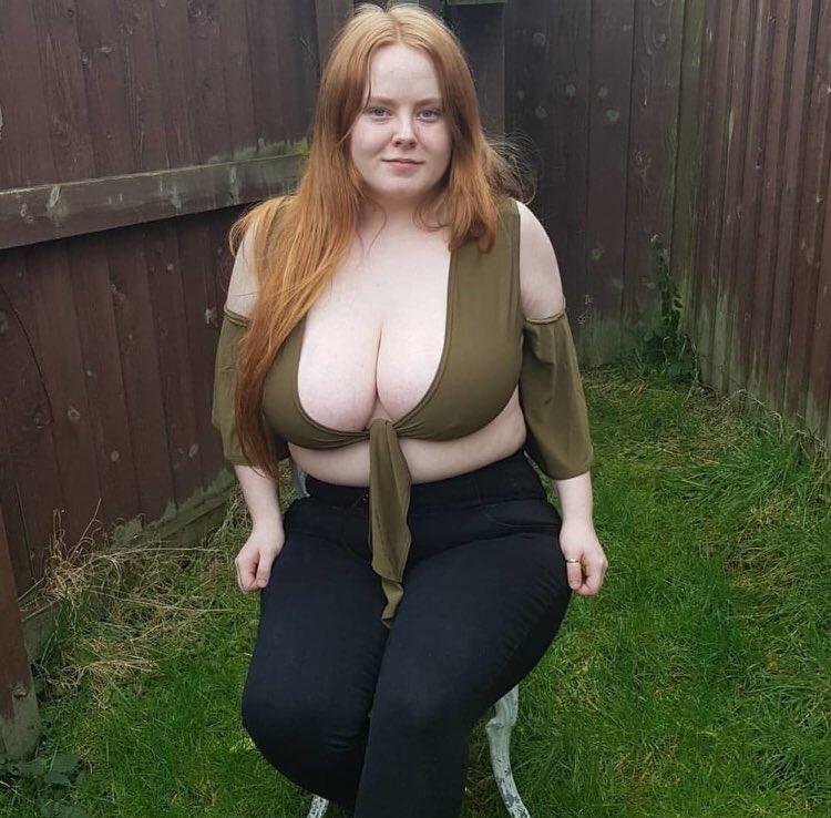 Enjoy these pics of Sarah loads more to cum enjoy 🍆💦💦
