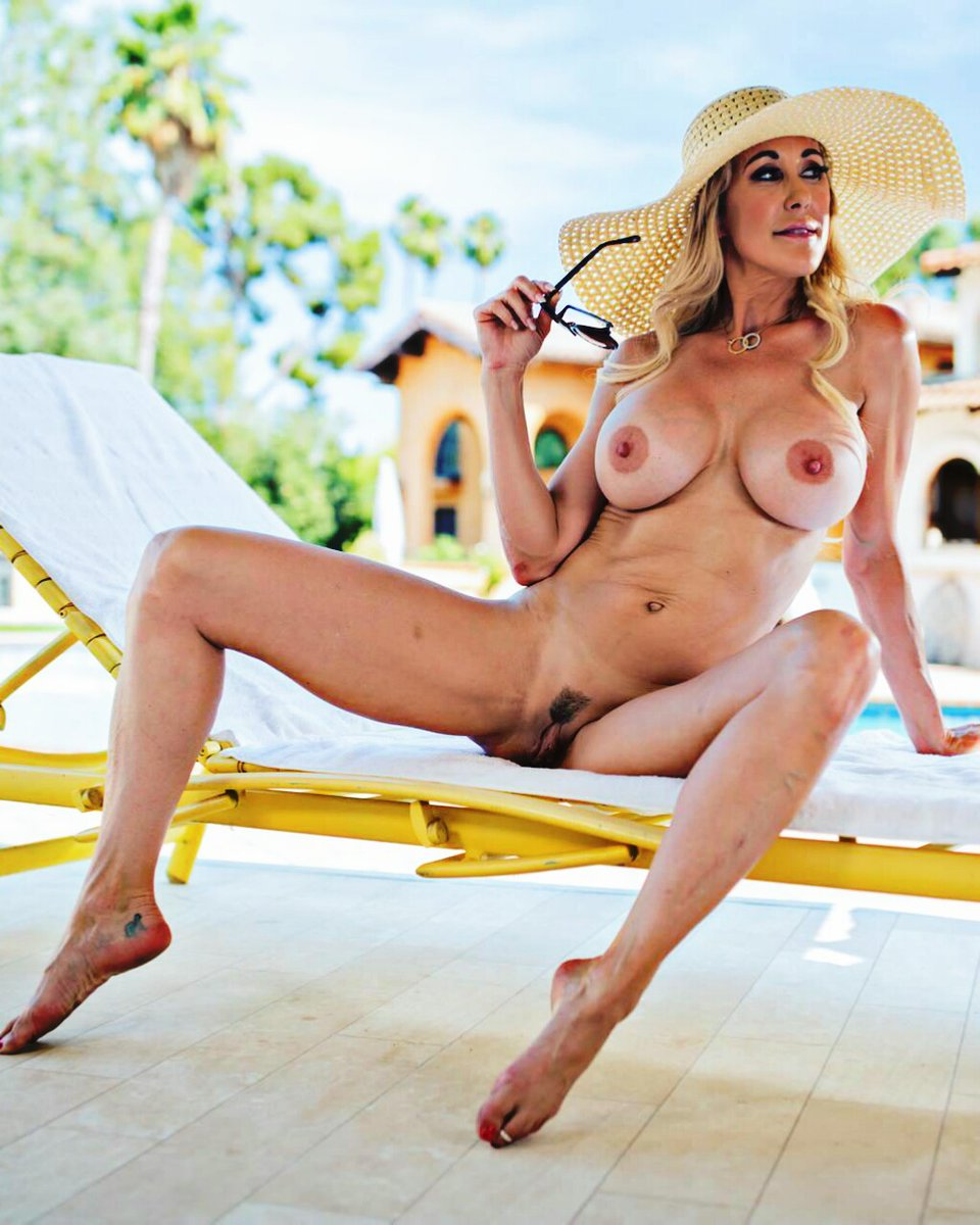 Hot summer day @brandi_love