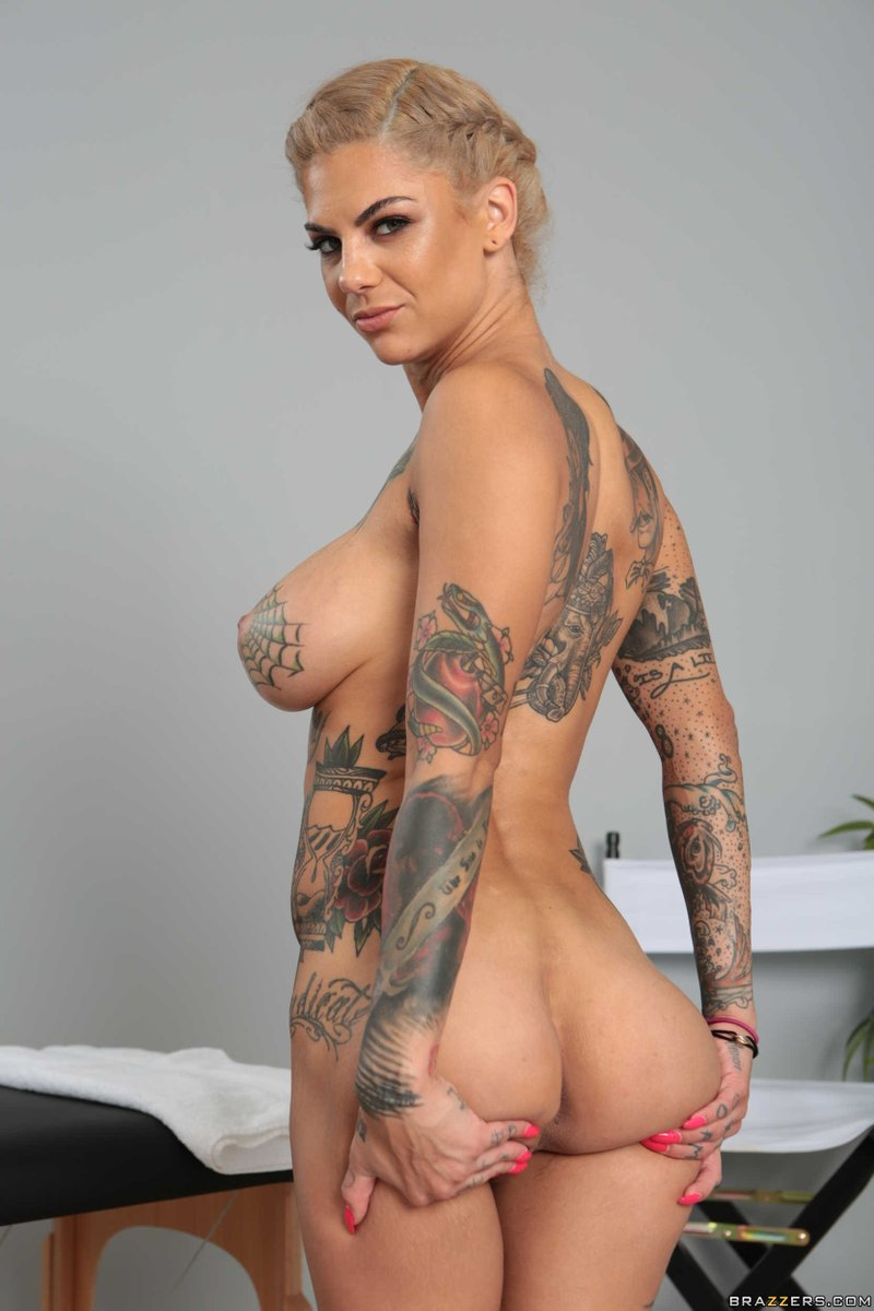 One of the hottest tushy in the biz @thebonnierotten #tushytuesday
