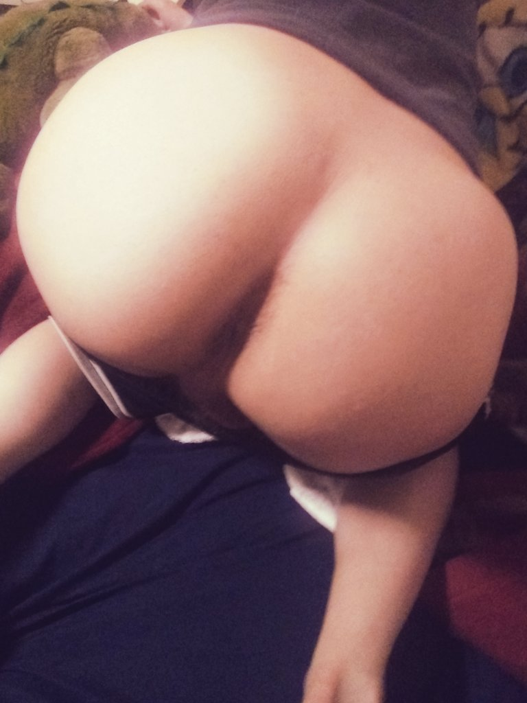 My butt's aaaaall yours, use it however you like  #butt #ass #booty #femboy #nsfwtwitter #nsfw #gay #bottom #spank #boypussy