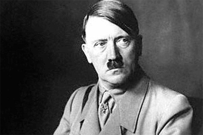 E aquela vez q Hitler foi no barbeiro e tirou o bigode??? Ficou O Diabo!!