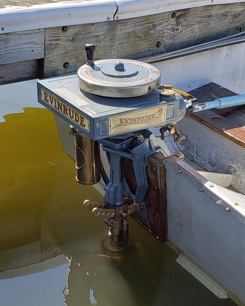 A 1917 Evinrude detachable motor, still out on the water and getting it done! #FlashbackFriday 📷: James From