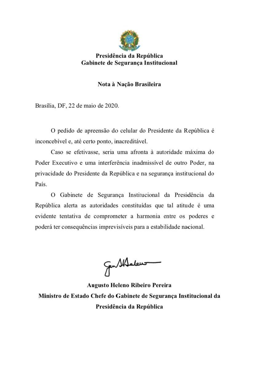 """General Augusto Heleno, ministro chefe do Gabinete de Segurança Institucional, alerta para """"consequências imprevisíveis para a estabilidade nacional"""" caso o telefone celular do presidente Jair Bolsonaro seja apreendido por ordem da Justiça."""