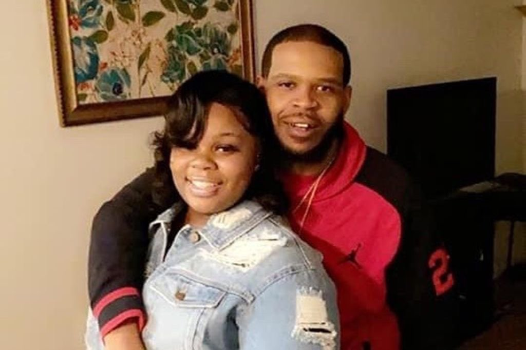 BREAKING: All charges have just been dropped against Kenneth Walker - the boyfriend of Breonna Taylor.   Kenneth is/was a hero. The love of his life was murdered right in front of his eyes. He has suffered so much over these past 2 months.   He is free. Charges dismissed.