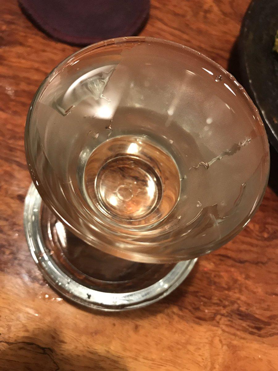 """test ツイッターメディア - つや姫で作った出羽桜! クリアな液体の中に深みを感じるね…  みんな知ってる!獺祭! クリアな液体の中に深みを感じるね…   どっちもうめぇクゥーッ!!""""(*>∀<)o(酒)"""" きき日本酒とかやったら一問も当たらない自信あり✧ド(*,,ÒㅅÓ,,)ャ✧ https://t.co/TRWc06upb8"""