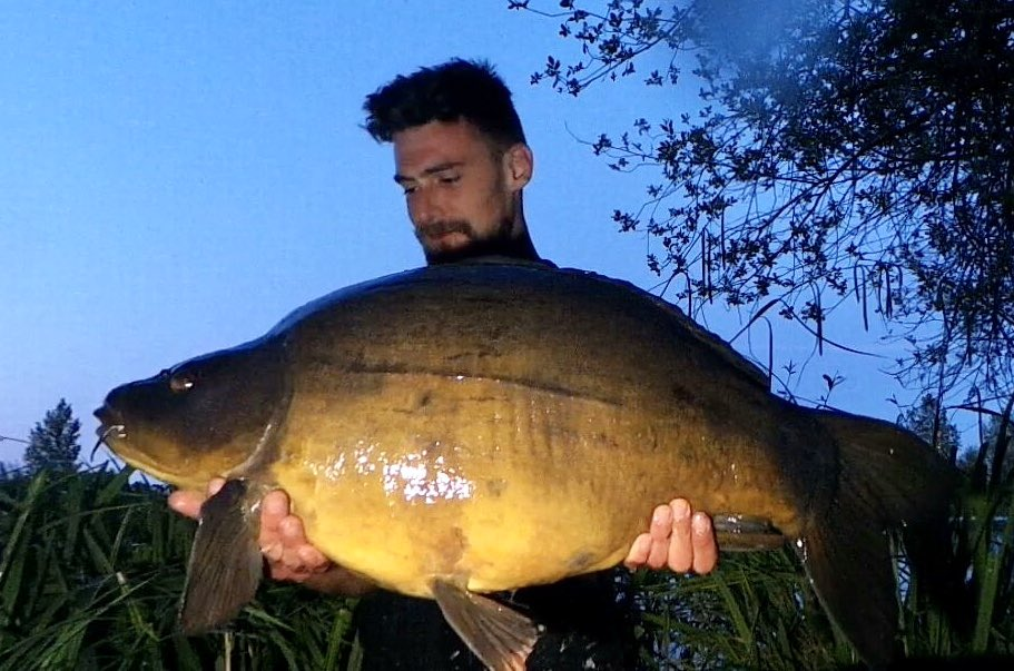 Luke Morris with his first fish of the <b>Season</b> from @stgeorgeslake 30lb #carpfishing Nice one