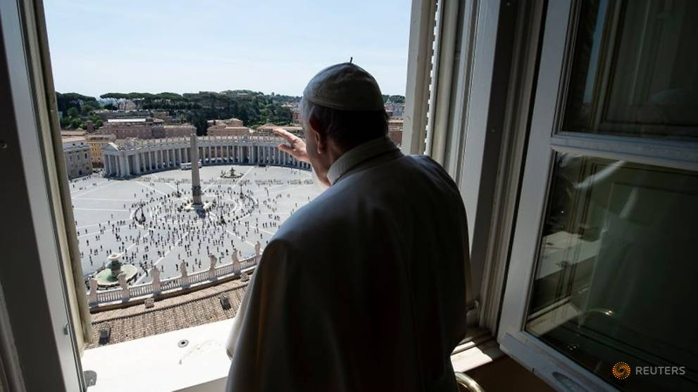 Public returns to St Peter's Square; pope calls for defence of environment
