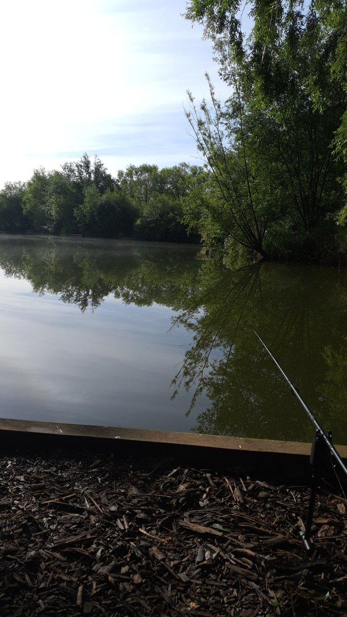 Lovely <b>Morning</b>s fishing @TwynershFishing  👍 #fishing #earlystart #CarpFishing https://t.co