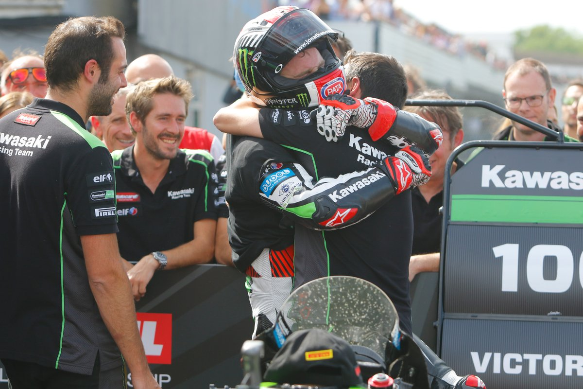 test Twitter Media - 🏆How does it feel to win 100th times in WorldSBK?   #Onthisday in 2017, @jonathanrea took the victory at Donington Park Race 2 and the 100th Kawasaki win in #WorldSBK!   @KRT_WorldSBK   #GBRWorldSBK 🇬🇧 https://t.co/8ivFwWIAHX