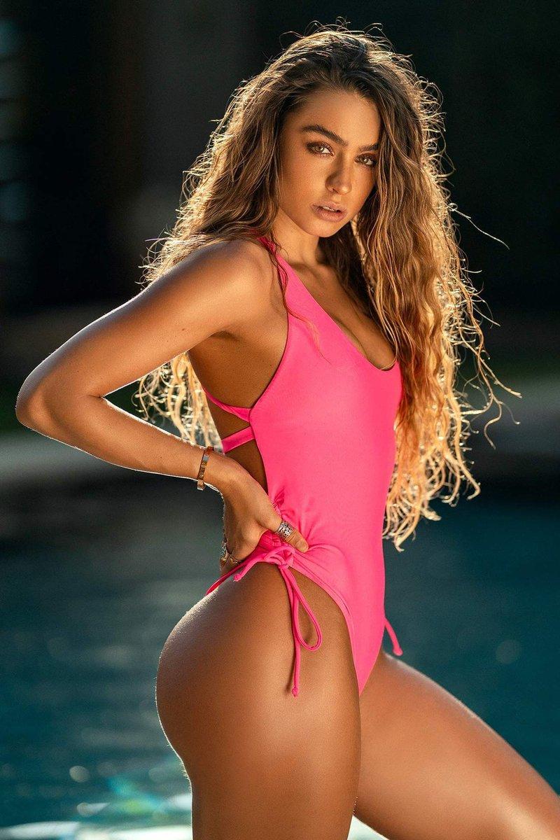this bikini thooooo 👙 ☀️